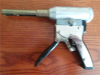 Trojan HR-77 Hydraulic Blind Riveting Gun